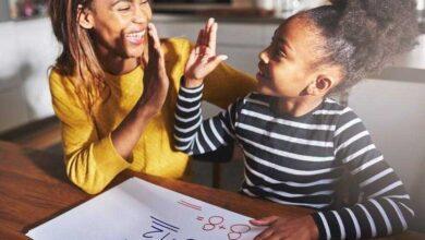 Descubra a forma certa de elogiar o seu filho