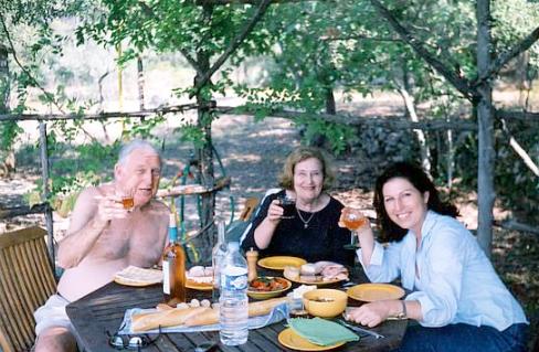 Casados há 70 anos, idosos morrem de mãos dadas e com poucos minutos de diferença | Baú das DICAS