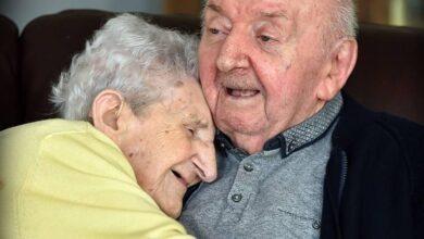 Foto de Aos 98 anos, ela se mudou para uma casa de repouso para cuidar do filho de 80 anos