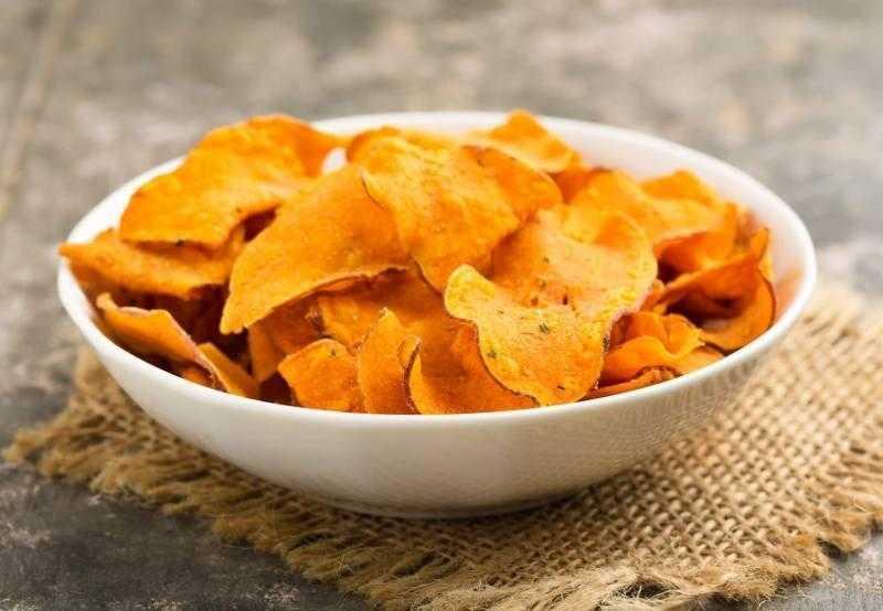Chips de cenoura saudável e nutritivo