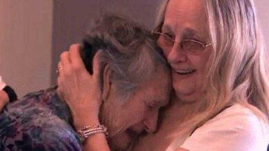 Foto de Aos 88 anos, mãe encontra filha que pensou ter morrido no parto