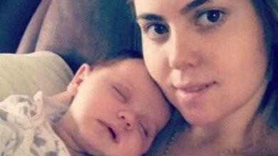 Foto de Mãe faz descoberta chocante 7 semanas após seu bebê nascer! Veja: