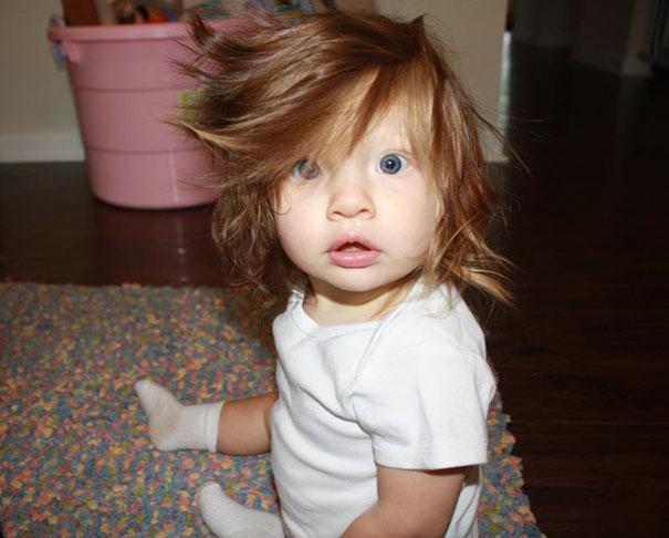 awebic-bebe-cabeludo-#1