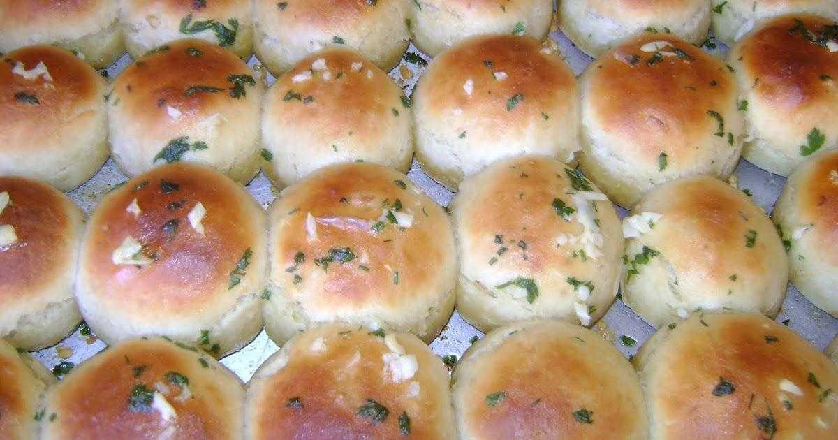 Como fazer pãozinho de cebola de liquidificador 1a