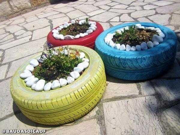 jardineras colores dec.puedras 16 Ideias para reaproveitar pneus no seu jardim