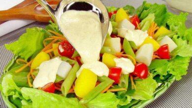 Foto de Salada com molho de queijo: fica pronta em 30 minutos!