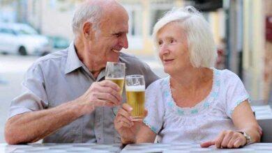 Foto de Estudo afirma que beber cerveja e café aumentam as chances de chegar aos 90 anos!