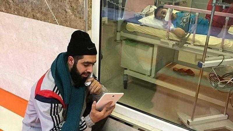 Professor visita aluno com câncer no hospital todos os dias para ensinar o conteúdo da escola