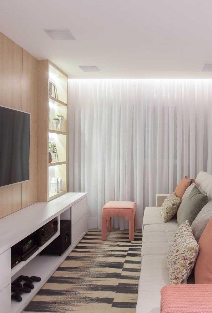 Coloque a sua personalidade na decoração da sala de TV