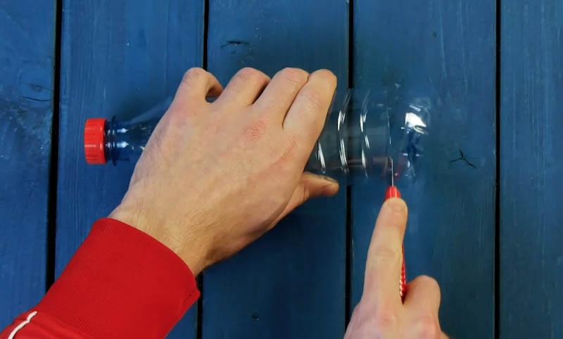 1584731038 418 4 Ideias geniais e ecologicas para reutilizar garrafas plasticas com 4 Ideias geniais e ecológicas para reutilizar garrafas plásticas com plantas e ervas aromáticas