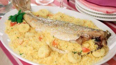 Peixe recheado com farofa