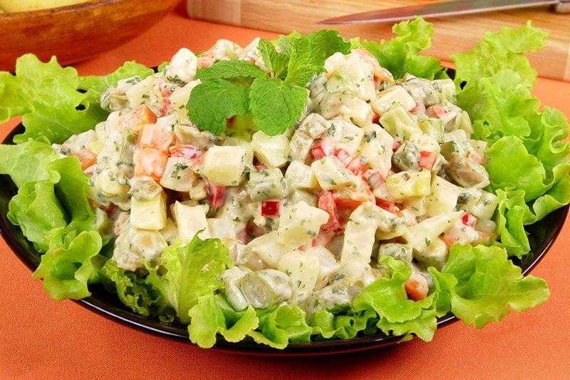 Salada de maionese com creme de leite