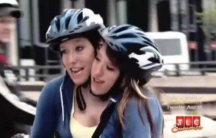 """1592532965 499 Como estao as irmas siamesas mais famosas do mundo """"Abby Como estão as irmãs siamesas mais famosas do mundo: """"Abby e Brittany"""""""