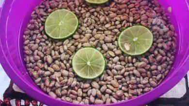 Foto de Feijão de molho com limão acelera o cozimento dos grãos e ajuda eliminar gases, aprenda