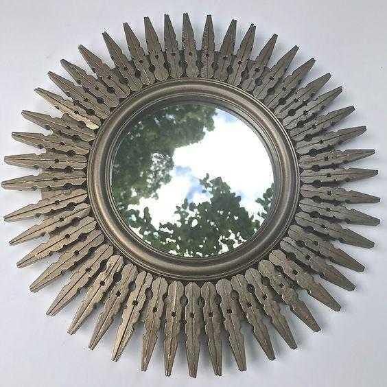 espelho com pregador de roupa