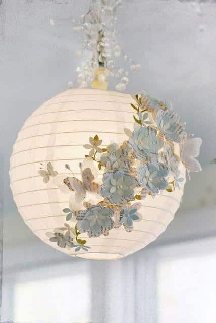 Lanterna japonesa com florais