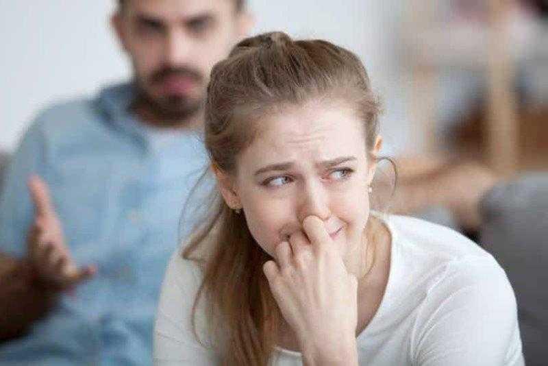 16 sinais de que seu parceiro é emocionalmente abusivo