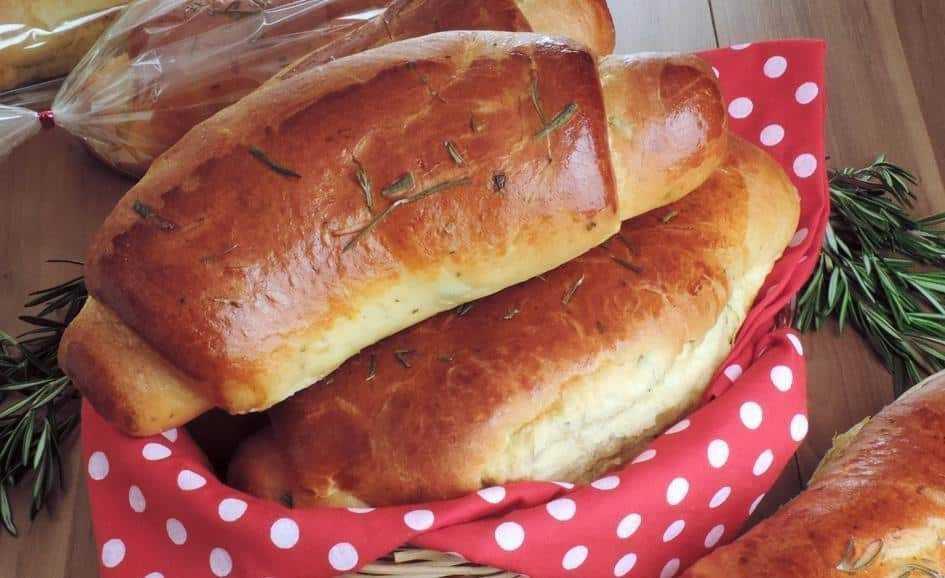 Pão caseiro com ervas