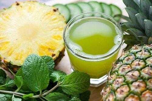 Suco de agrião com abacaxi