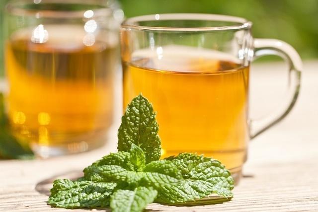 6 benefícios do chá de hortelã pimenta para perda de peso